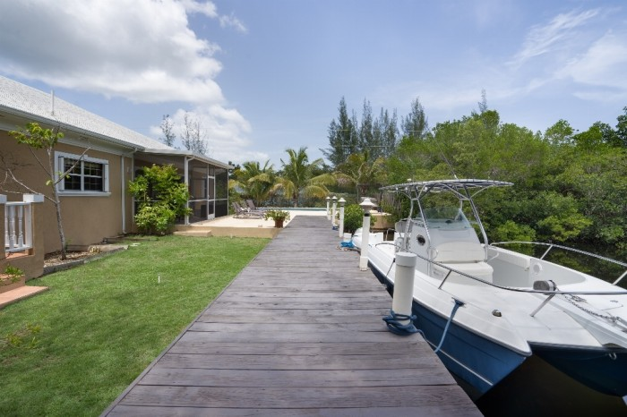 Canal Front Single Family Home - Image 5