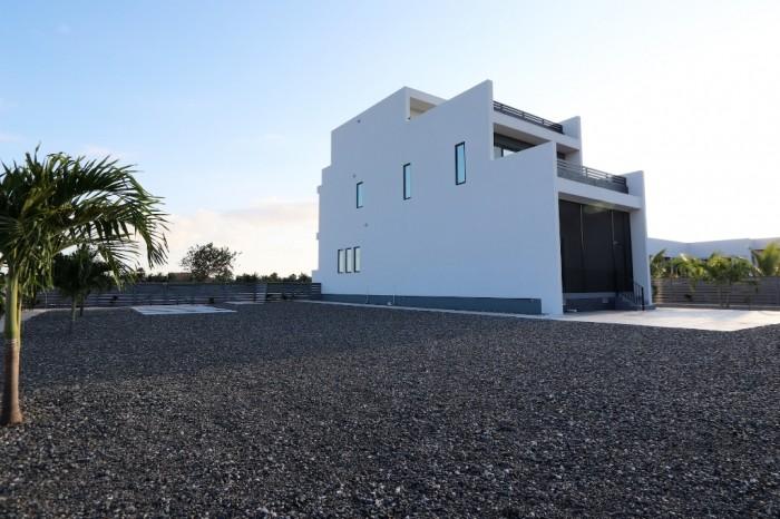 Contemporary Highlands Home - Image 1