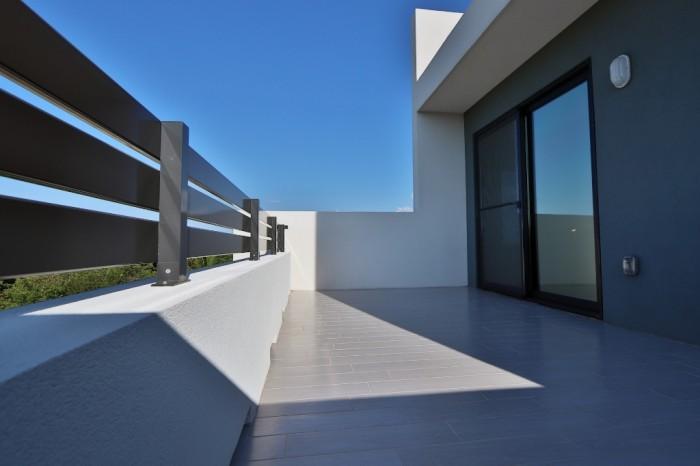 Contemporary Highlands Home - Image 11