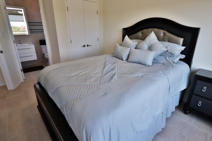 Contemporary Highlands Home - Image 7