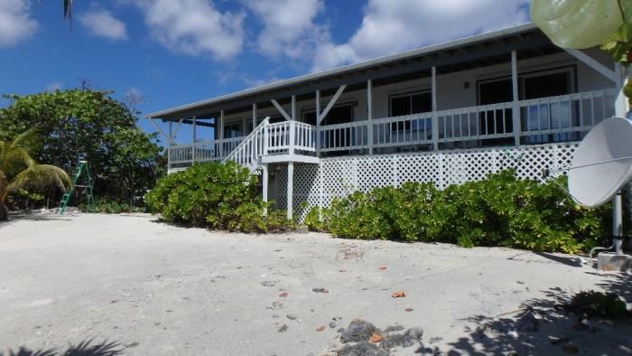 Preston Bay Beach Front House - Image 7